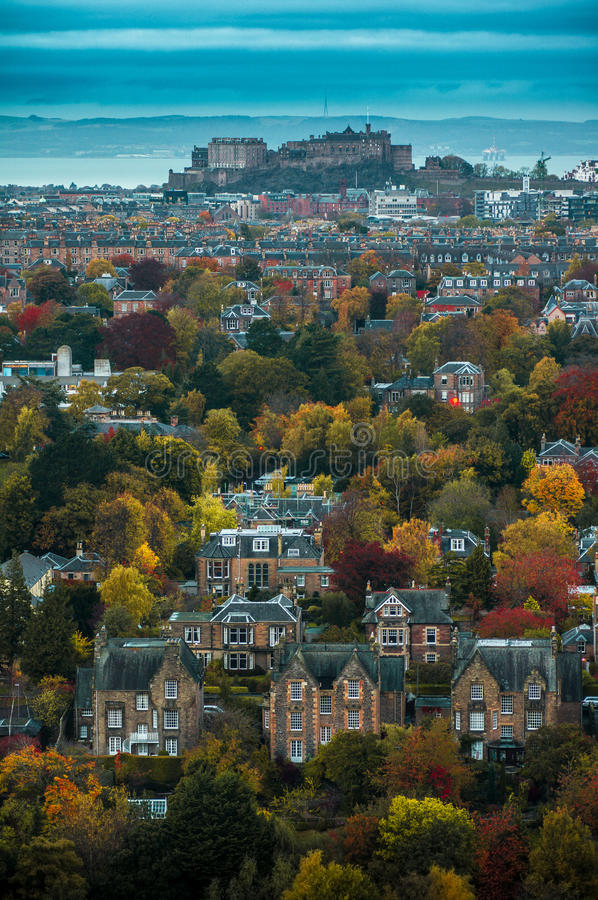 五颜六色的秋天在爱丁堡 免版税图库摄影