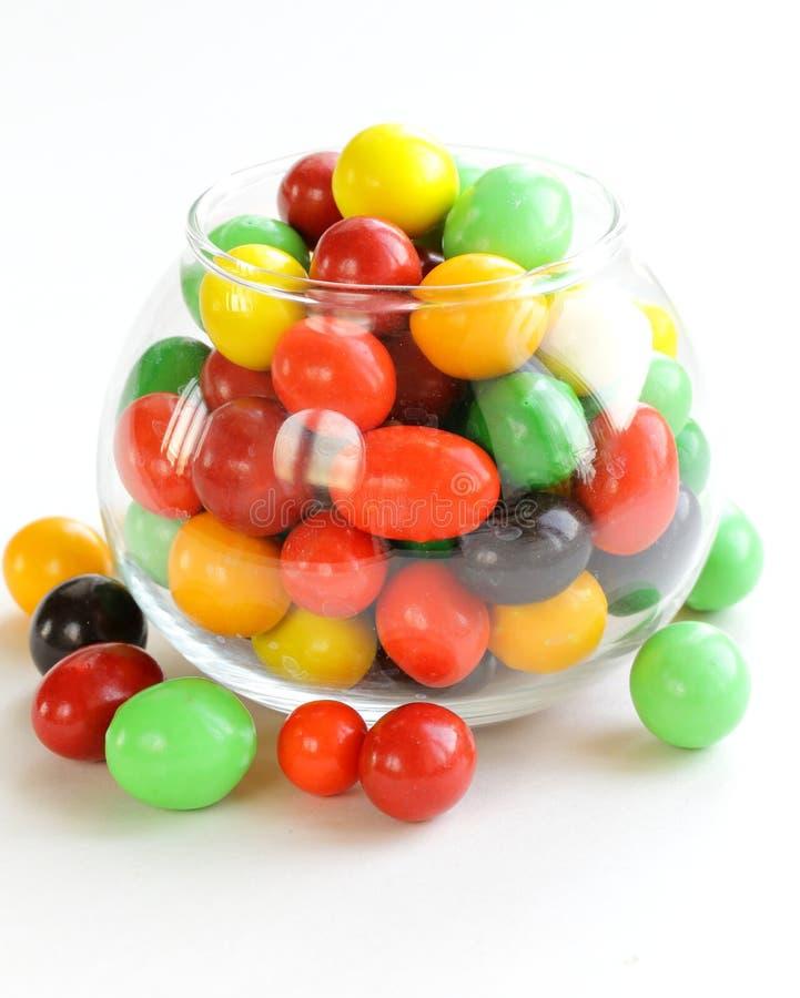 五颜六色的糖果下落 免版税库存图片