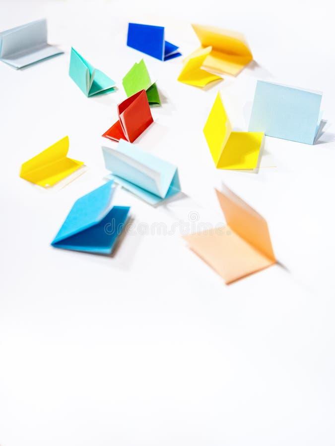 五颜六色的纸幸运的凹道趣味游戏党 库存照片