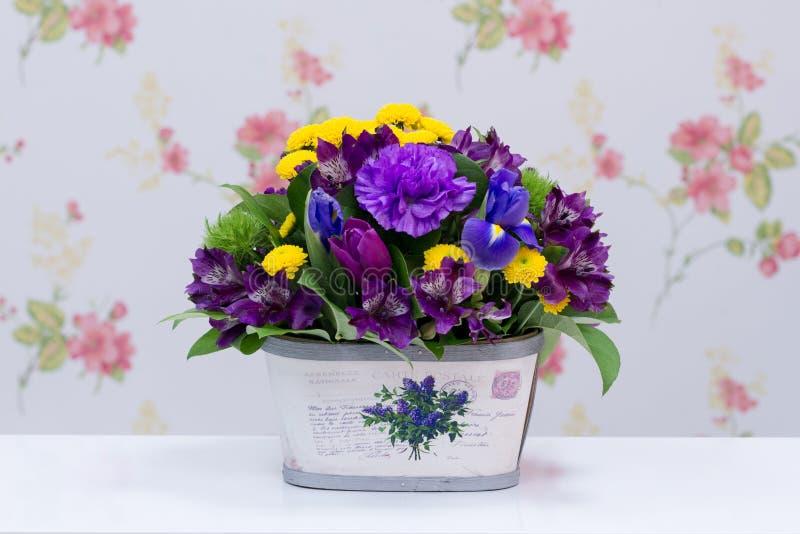 五颜六色的花束安排 免版税库存图片