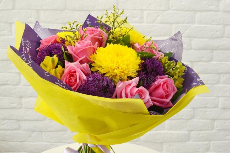 五颜六色的花背景 免版税库存照片