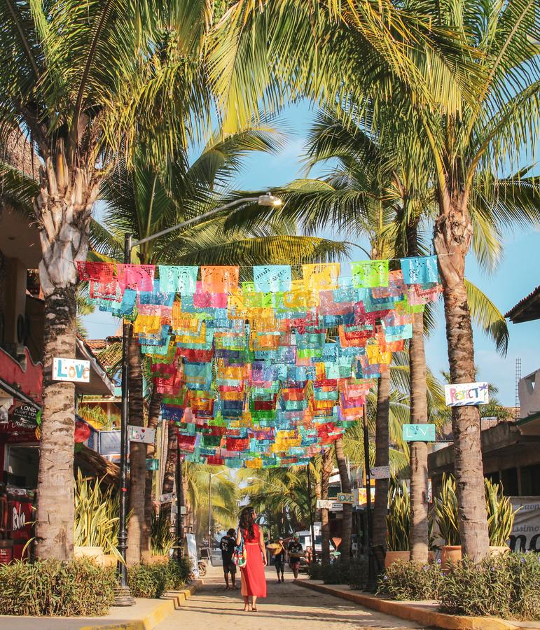 五颜六色的街道在Sayulita纳亚里特州 库存图片