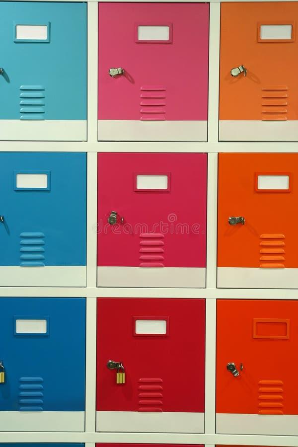 五颜六色的衣物柜 库存图片