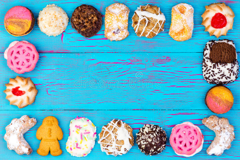 五颜六色的被分类的曲奇饼或饼干框架  库存图片
