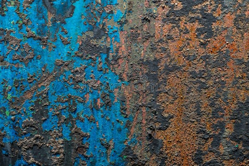 五颜六色的被毁坏的墙壁织地不很细难看的东西背景 免版税库存照片