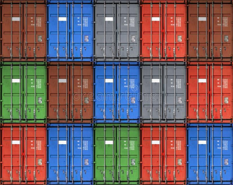 五颜六色的金属货物运输货柜 免版税库存照片