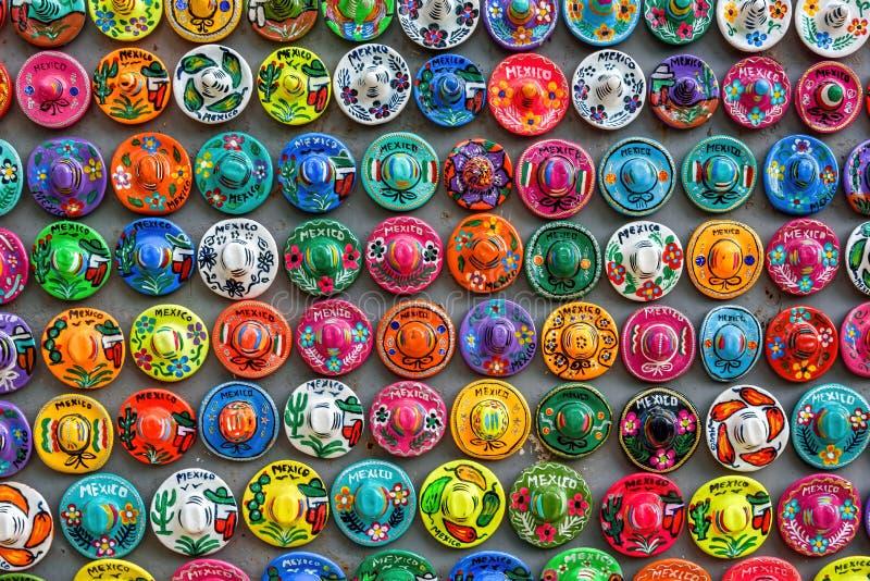 五颜六色的阔边帽磁铁纪念品,尤加坦,墨西哥 图库摄影