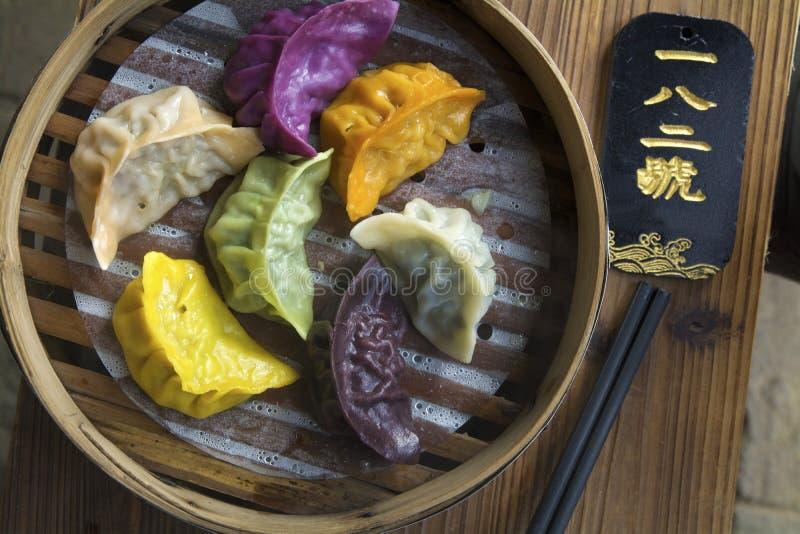 五颜六色的饺子 免版税库存图片