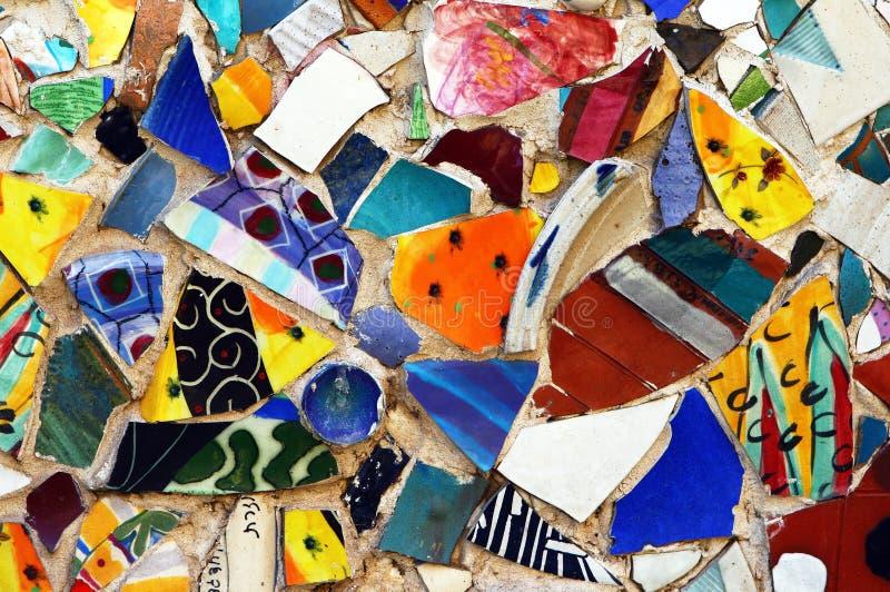 五颜六色的马赛克原始街道墙壁 免版税库存图片
