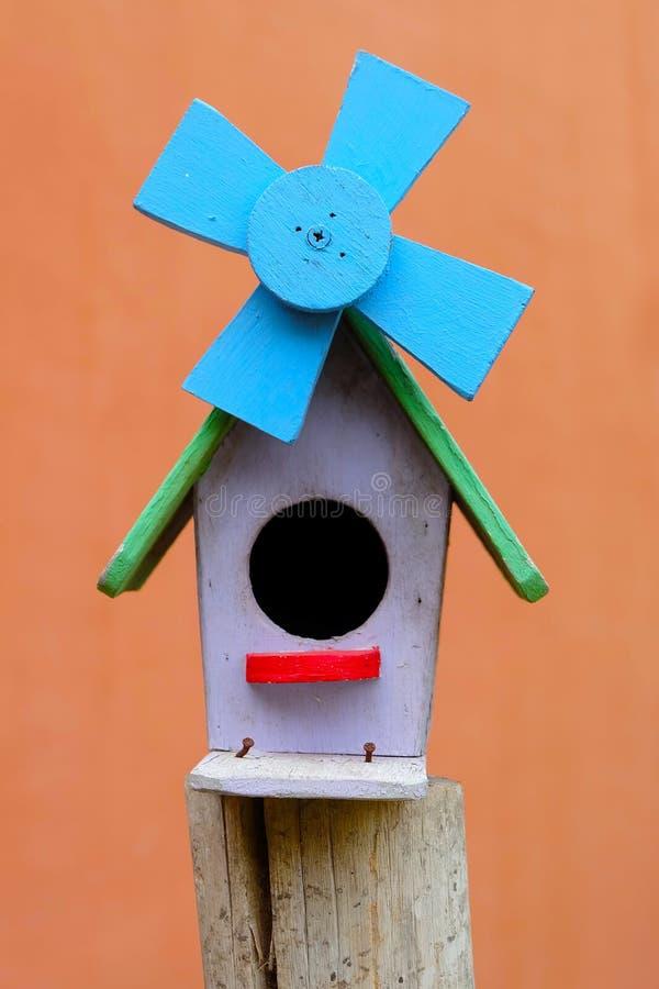 五颜六色的鸟house.in泰国 免版税库存图片