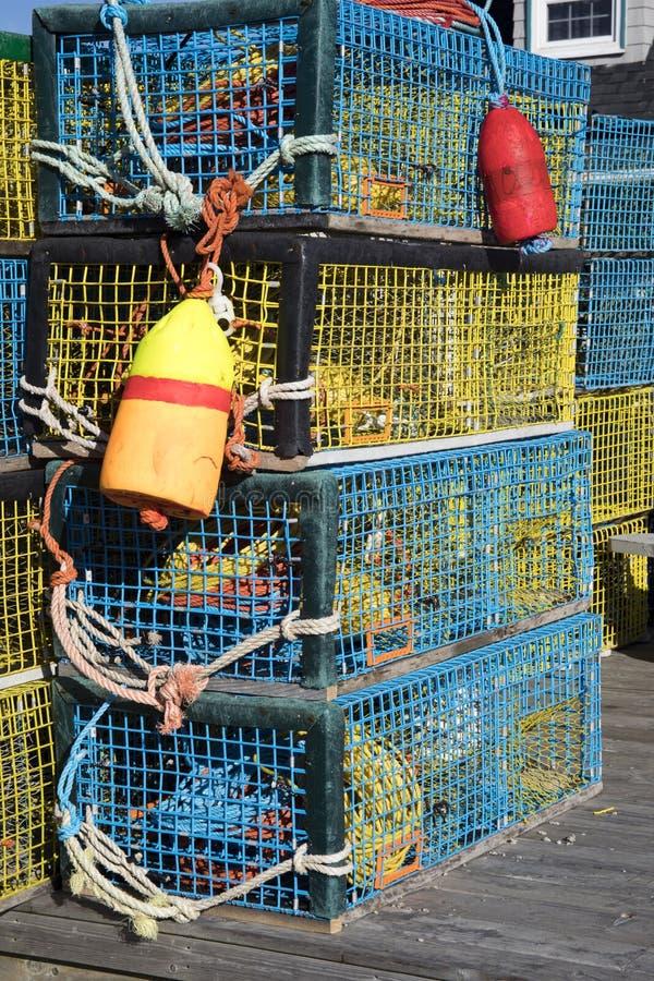 五颜六色的龙虾陷井和浮体 库存照片