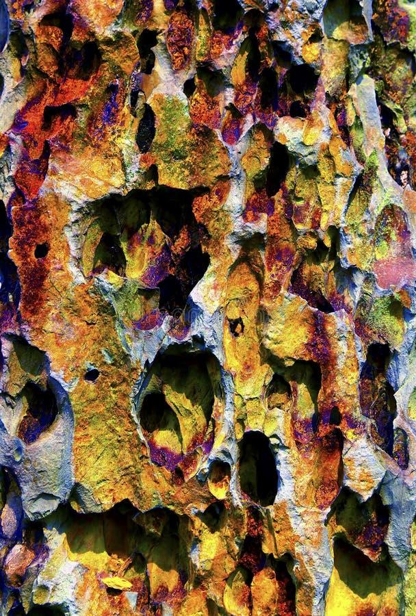 五颜六色的洞钟乳石形成 图库摄影
