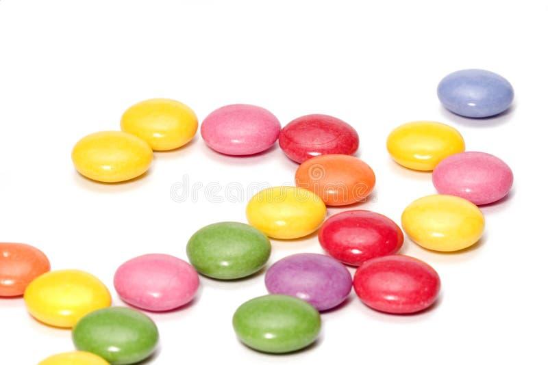 五颜六色糖果的巧克力 免版税库存照片