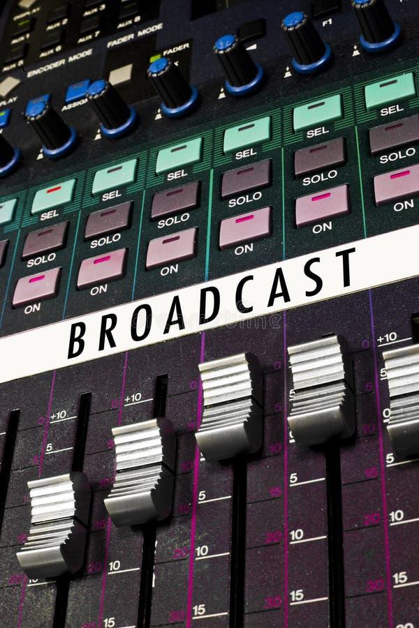 五颜六色董事会的广播 免版税库存照片