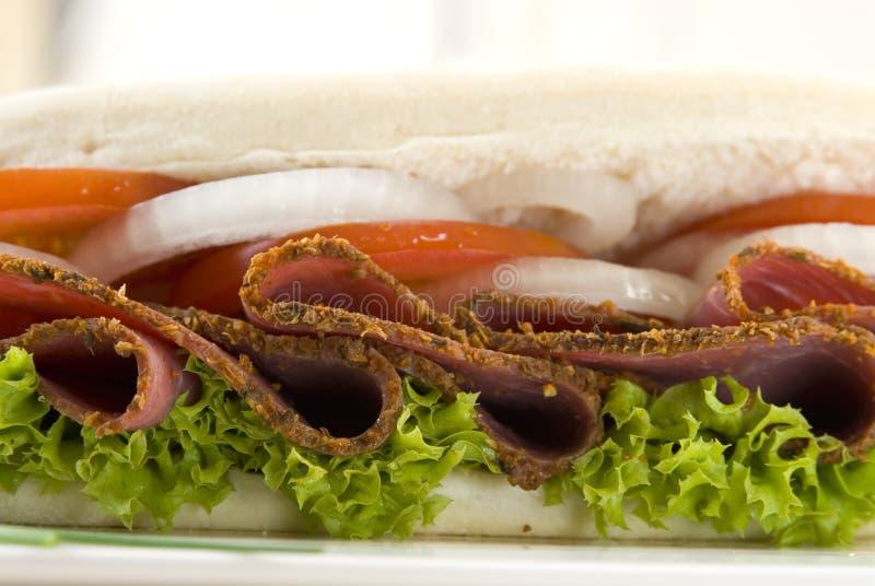 五香熏牛肉三明治 免版税图库摄影