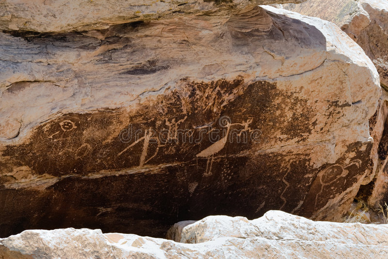 亚利桑那刻在岩石上的文字镇puerco 库存照片