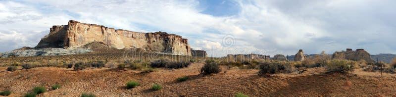 亚利桑那山岩石全景的高原 免版税库存照片