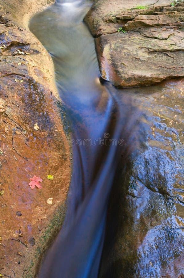 亚利桑那开辟小河缩小的橡木岩石sedona 库存照片