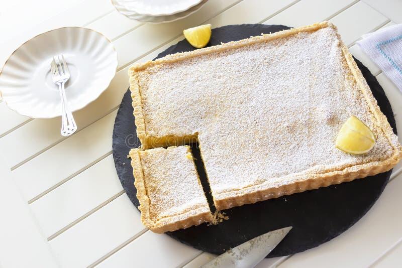 亚利桑那搅拌器柠檬饼 乳脂状的柠檬馅饼 r r r 免版税库存照片