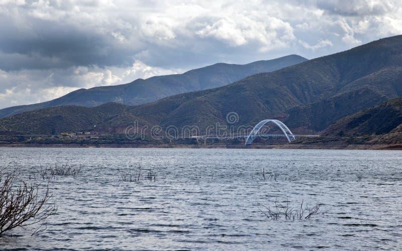 亚利桑那日湖风雨如磐的罗斯福 免版税库存照片