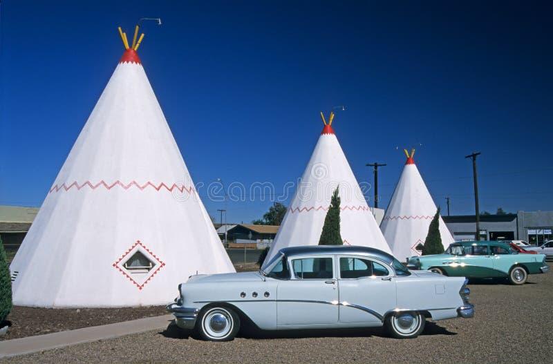 亚利桑那汽车旅馆圆锥形小屋 免版税图库摄影
