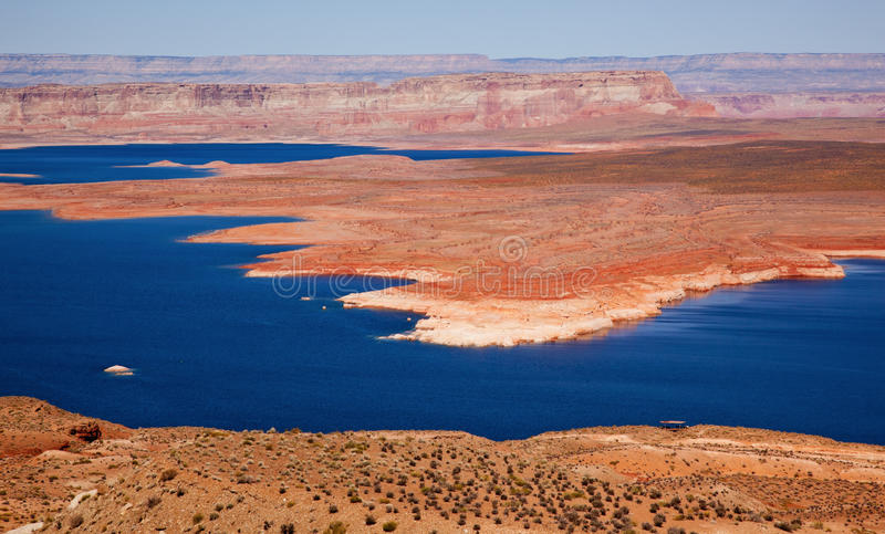 亚利桑那海湾峡谷幽谷湖powell wahweap 免版税库存图片