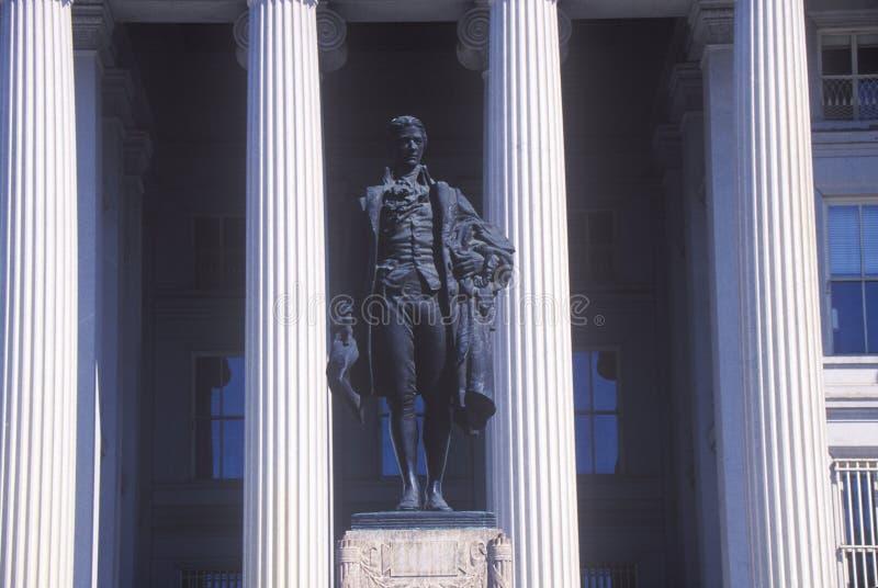 亚历山大・汉密尔顿,财宝,华盛顿, D美国部门雕象  C 库存照片
