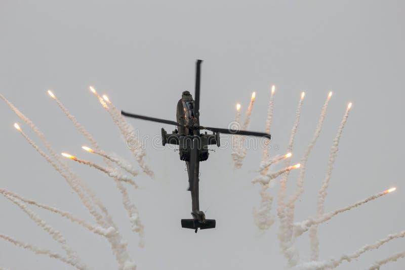 亚帕基直升机火光 免版税库存图片