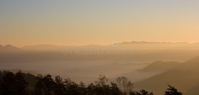 亚平宁山脉横向 免版税库存图片