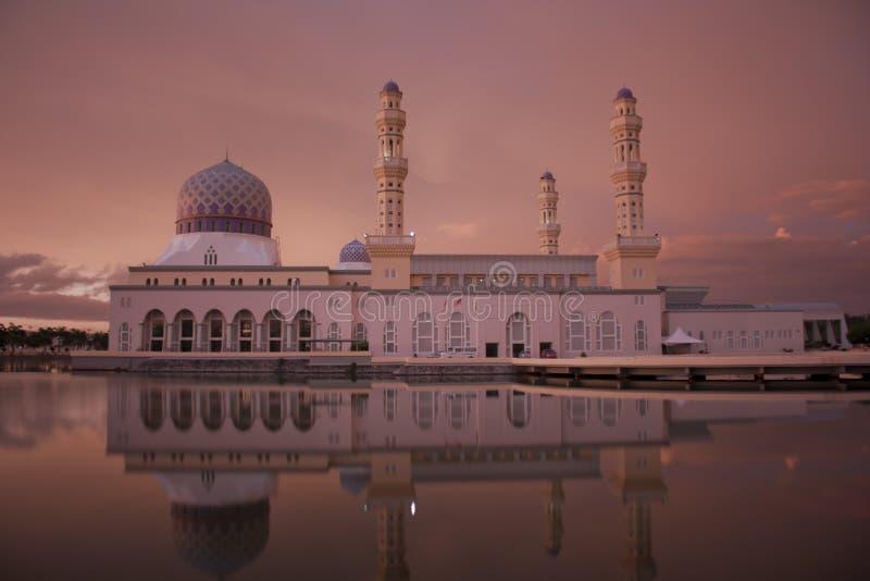 亚庇市清真寺在北婆罗洲沙巴马来西亚 免版税库存图片