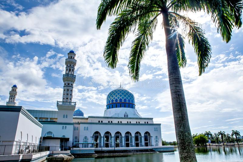 亚庇市清真寺,沙巴,婆罗洲,马来西亚 免版税库存照片