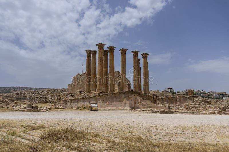 亚底米神庙在古老罗马市Gerasa,边框形式da 库存图片