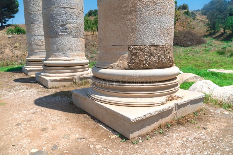 亚底米神庙在Sardes破坏 免版税库存照片