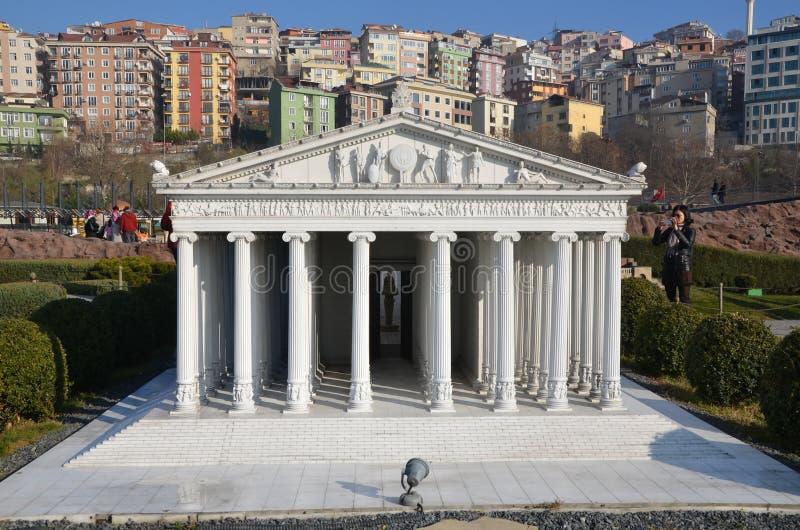 亚底米神庙比例模型  免版税库存图片