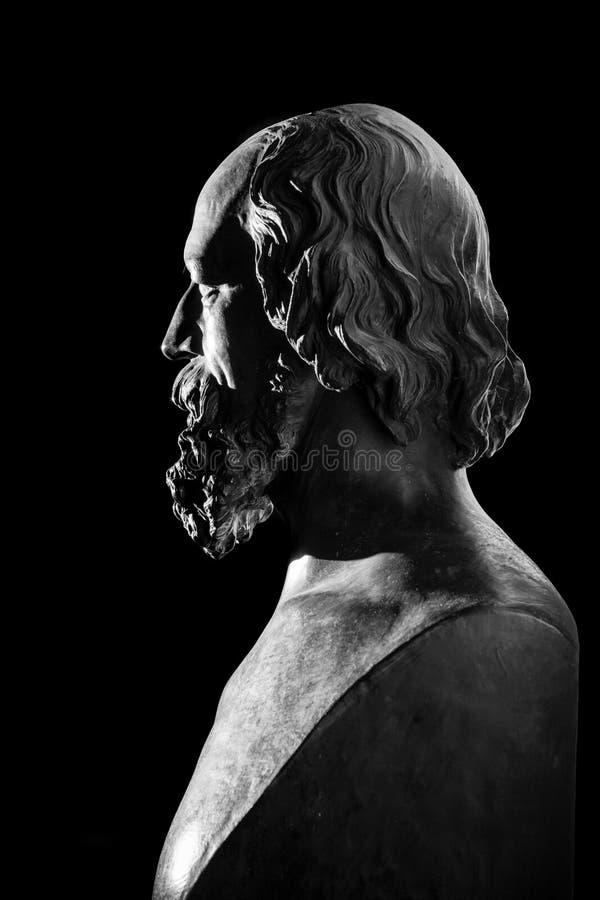 亚弗烈・但尼生阁下胸象的拷贝由先钒黑沥青艺术家托马斯Woolner的 图库摄影