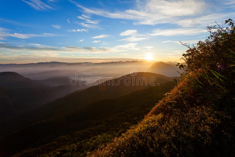 亚当斯峰顶日出视图 库存图片