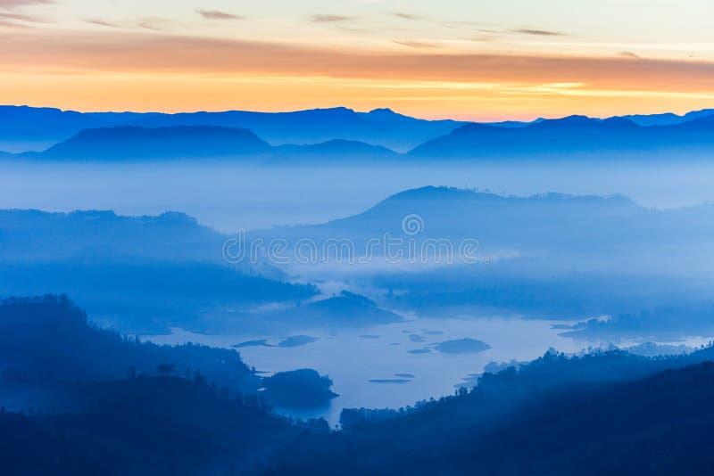 亚当斯峰顶日出视图 库存照片