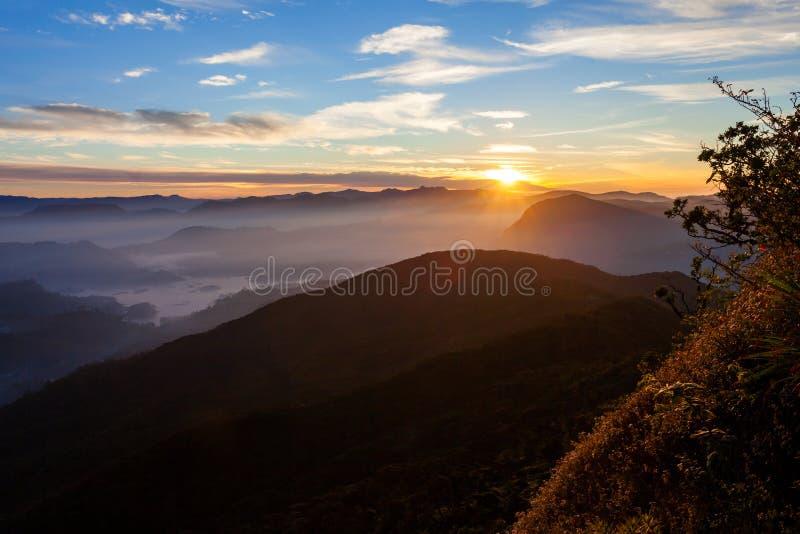亚当斯峰顶日出视图 免版税库存照片