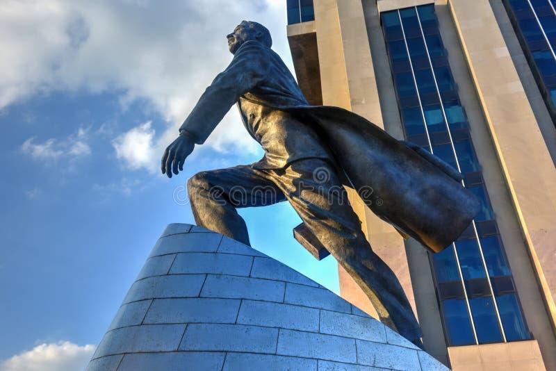 亚当・卡里顿鲍威尔雕象- NYC 库存图片