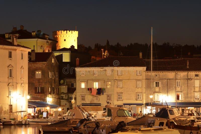 亚得里亚海的cres晚上城镇 免版税库存照片