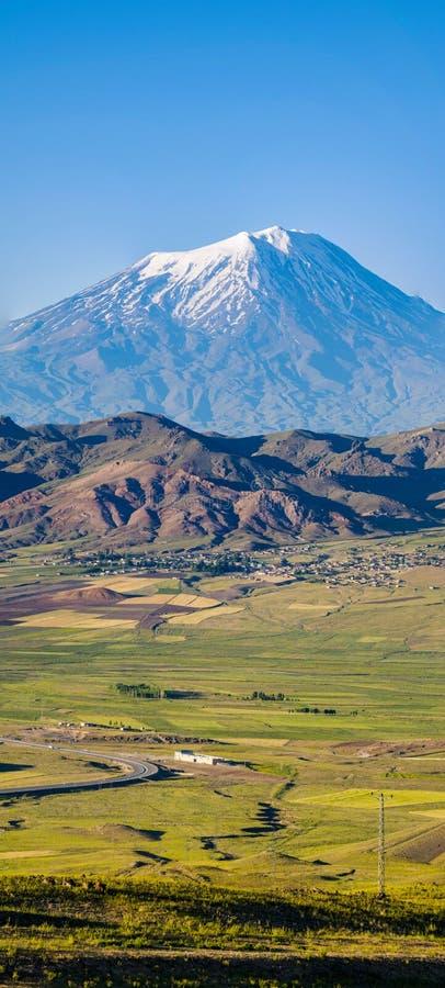 亚拉拉特山,阿格里河Dagi,山,火山,伊巴尼,土耳其,中东,自然,风景,鸟瞰图,诺亚,平底船 库存照片