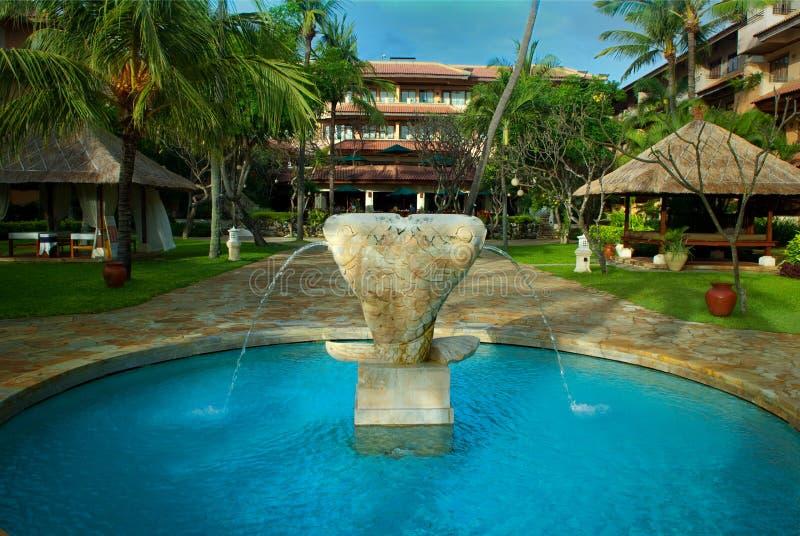 亚斯顿巴厘岛喷泉旅馆印度尼西亚海&# 免版税库存照片