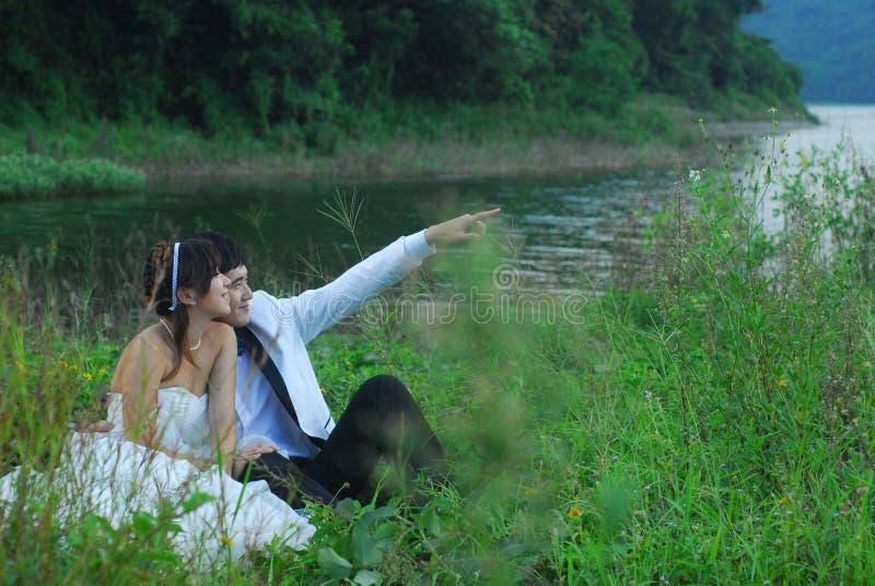亚洲婚礼夫妇 免版税库存照片