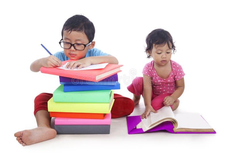 亚洲孩子学习 图库摄影