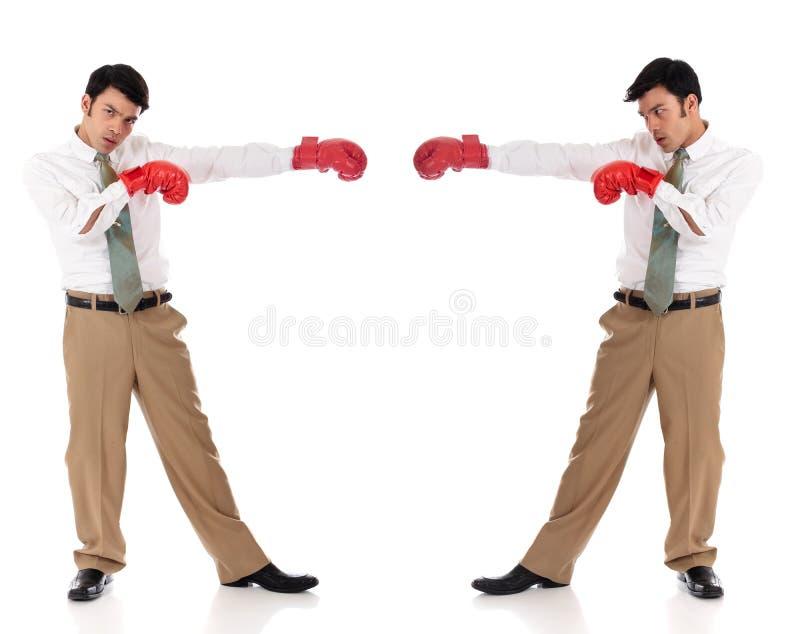 亚洲拳击生意人手套 免版税库存照片