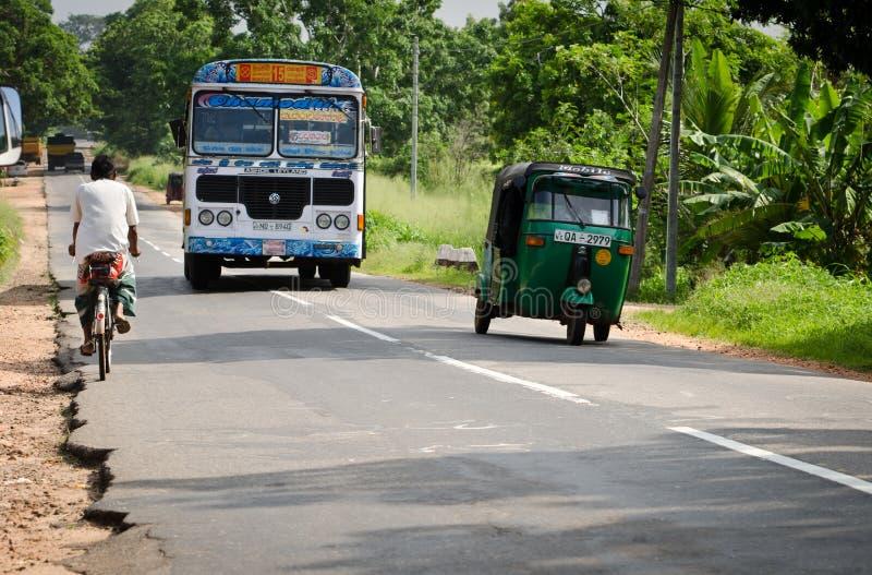 亚洲正常公共公共汽车在路的斯里南卡 图库摄影