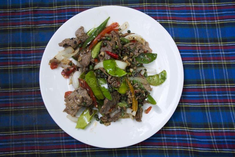 亚洲泰国东方食物混乱油煎了黑胡椒肉牛肉 免版税库存图片