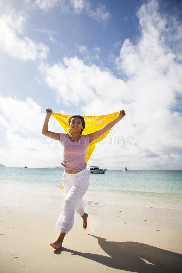 亚洲海滩连续妇女 库存照片