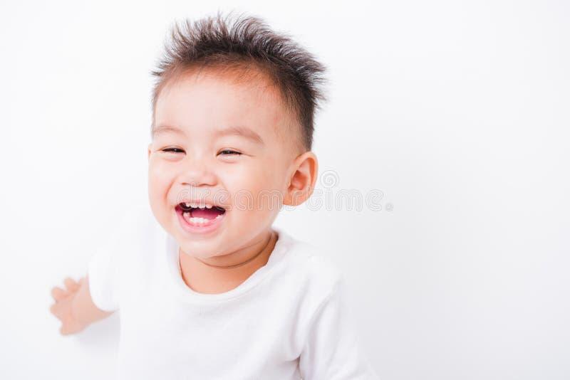 亚洲画象愉快的儿童男孩1年6个月微笑 库存照片