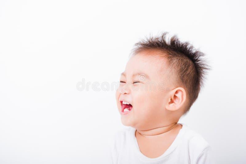 亚洲画象愉快的儿童男孩1年6个月微笑 免版税库存照片